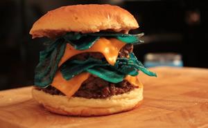 "Lanchonete cria o ""Heisenburger"" em homenagem a Breaking Bad!"
